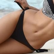 Dolna część damskiego kostiumu kąpielowego Desirea czarna I