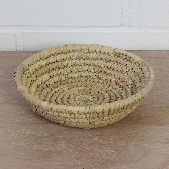 Mały koszyk z liści palmowych Home Design