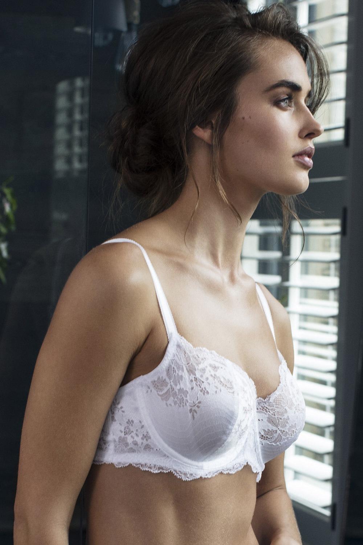 Biustonosz Wacoal Lace Affair White